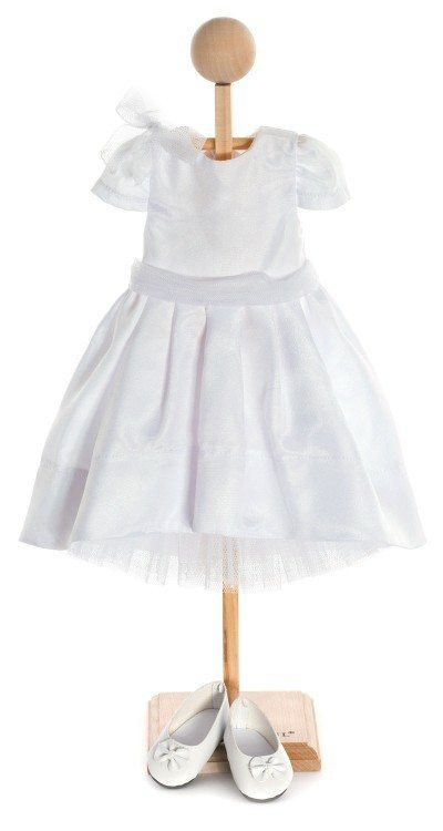 Aletta's White Dress Outfit