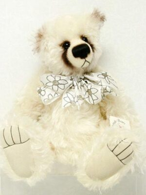 Libby by Changle Bears / Janet Changfoot
