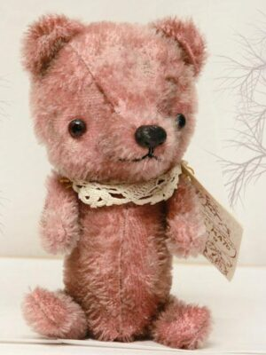 Pink Ted by Hisa Kato