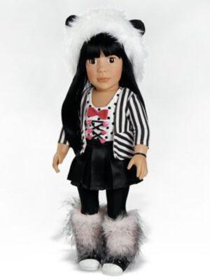Ava, Panda Outfit
