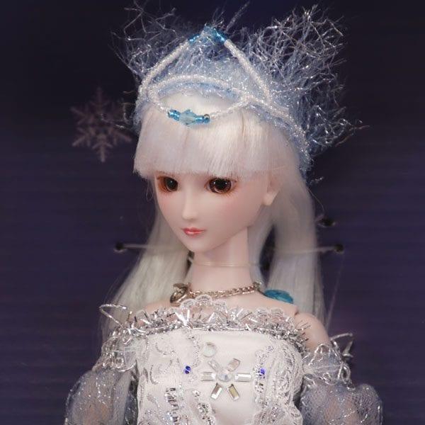 Petite Snow Queen