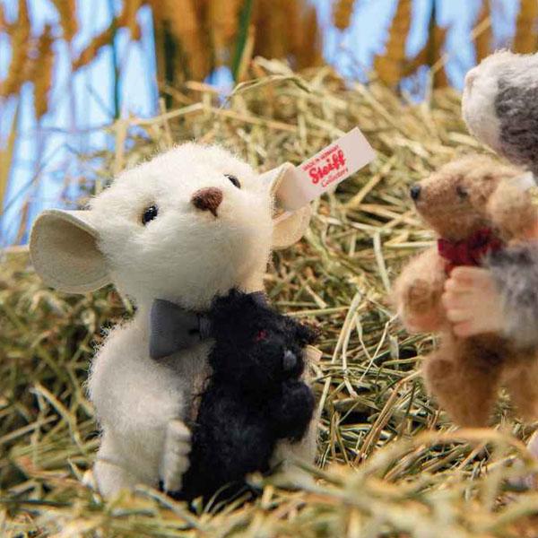 Peky Mouse with Teddy Bear
